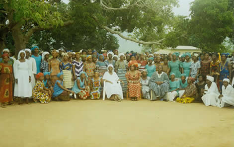 Mbumwae Suba with Ghanian community